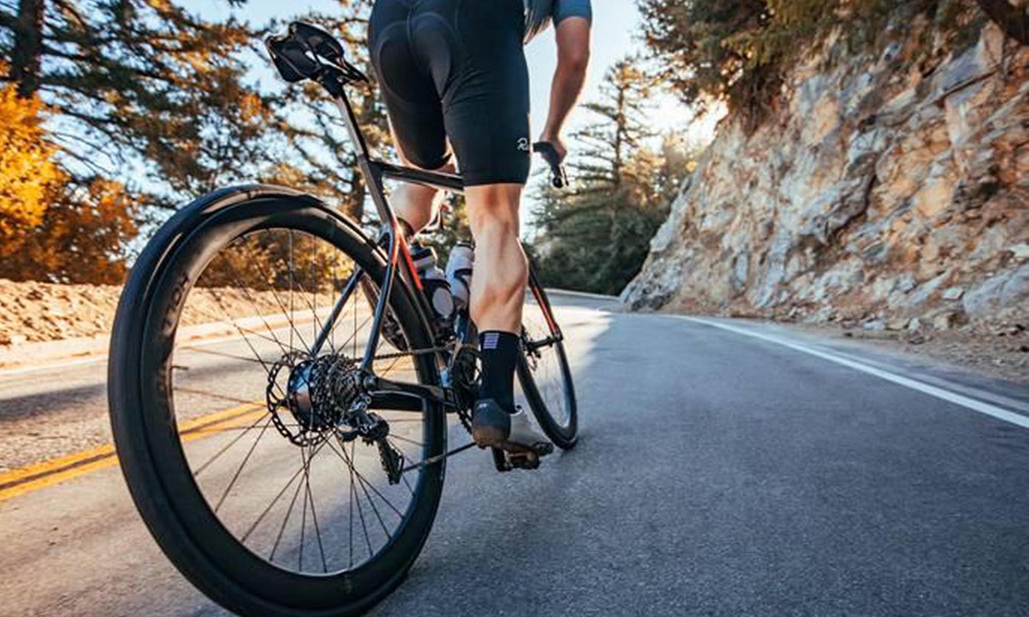 E-Bikes bieten viele Vorteile und belasten die Umwelt weniger als andere Fortbewegungsmittel. Doch Vorsicht: E-Bike ist nicht gleich E-Bike. Cannondale