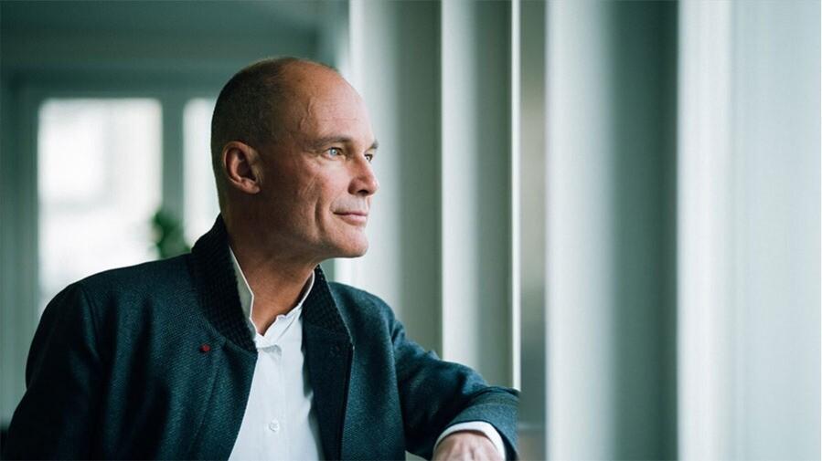 Solarflug-Pionier Bertrand Piccard spricht darüber, wie er scheinbar unmögliche Vorhaben in die Tat umsetzen kann.