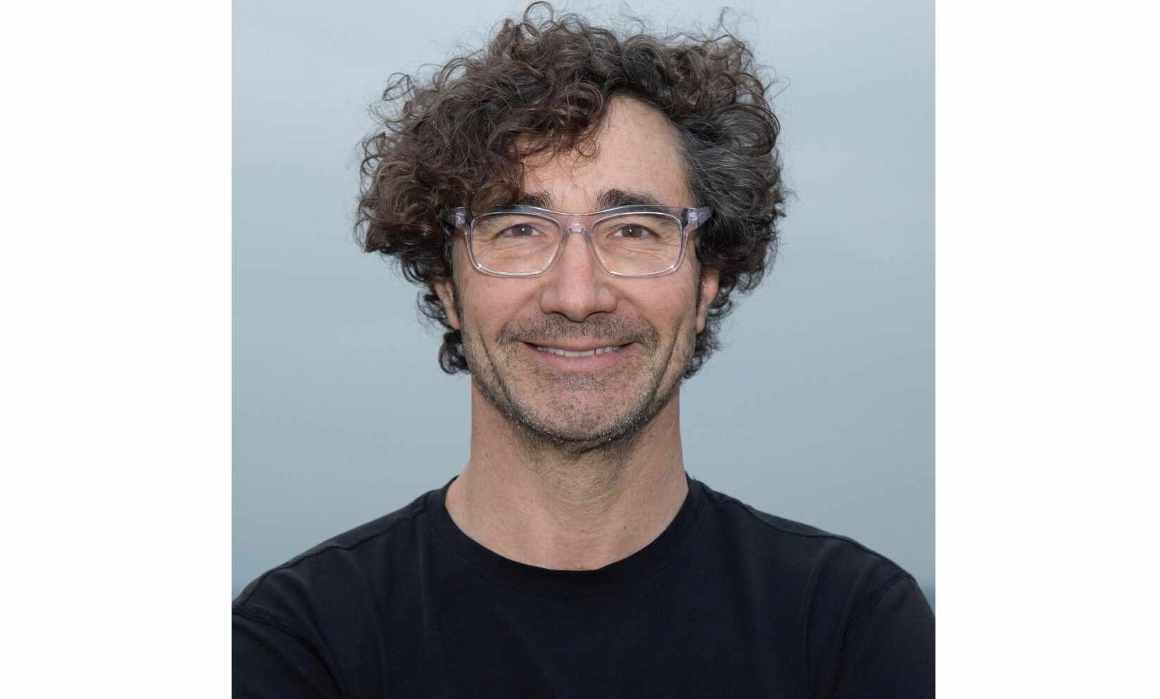 Architektur-Professor und -Aktivist Alfredo Brillembourg zeigt auf, was wir von Slums über nachhaltiges Wohnen lernen können.