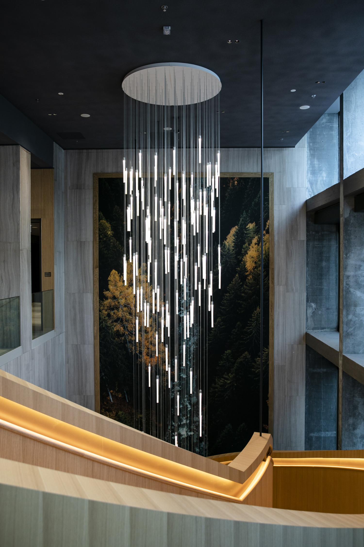 Im «Hyatt Regency» werden ausser des Lichteinfalls und der Beleuchtung auch das Klima und die Lüftung über die Gebäudeautomation geregelt.