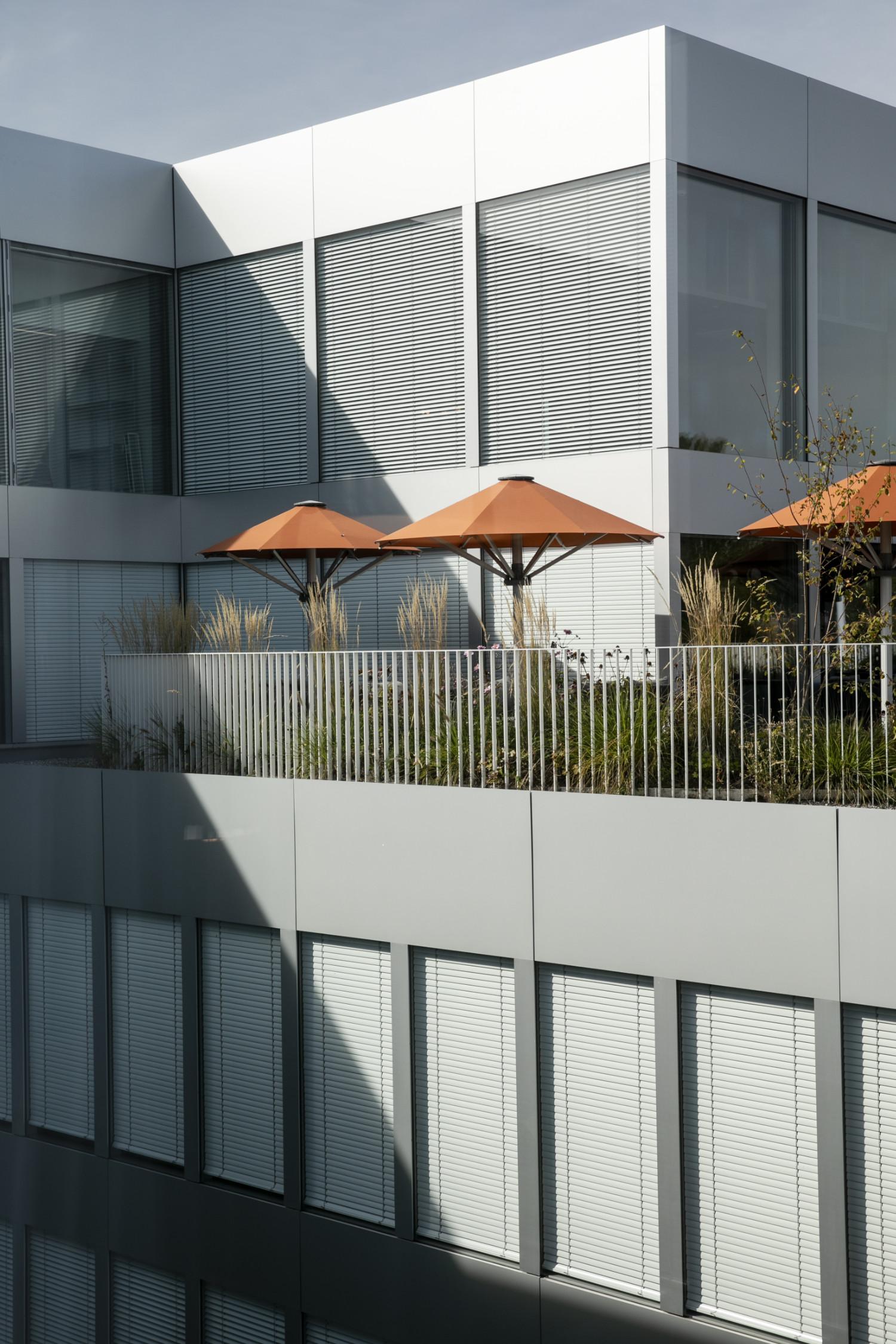 Das neue Hotel «Hyatt Regency» am Flughafen Zürich. Mehr Energieeffizienz und Nachhaltigkeit dank Gebäudeautomation.