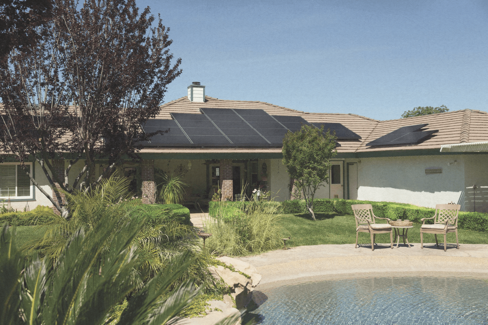 home with solar panel