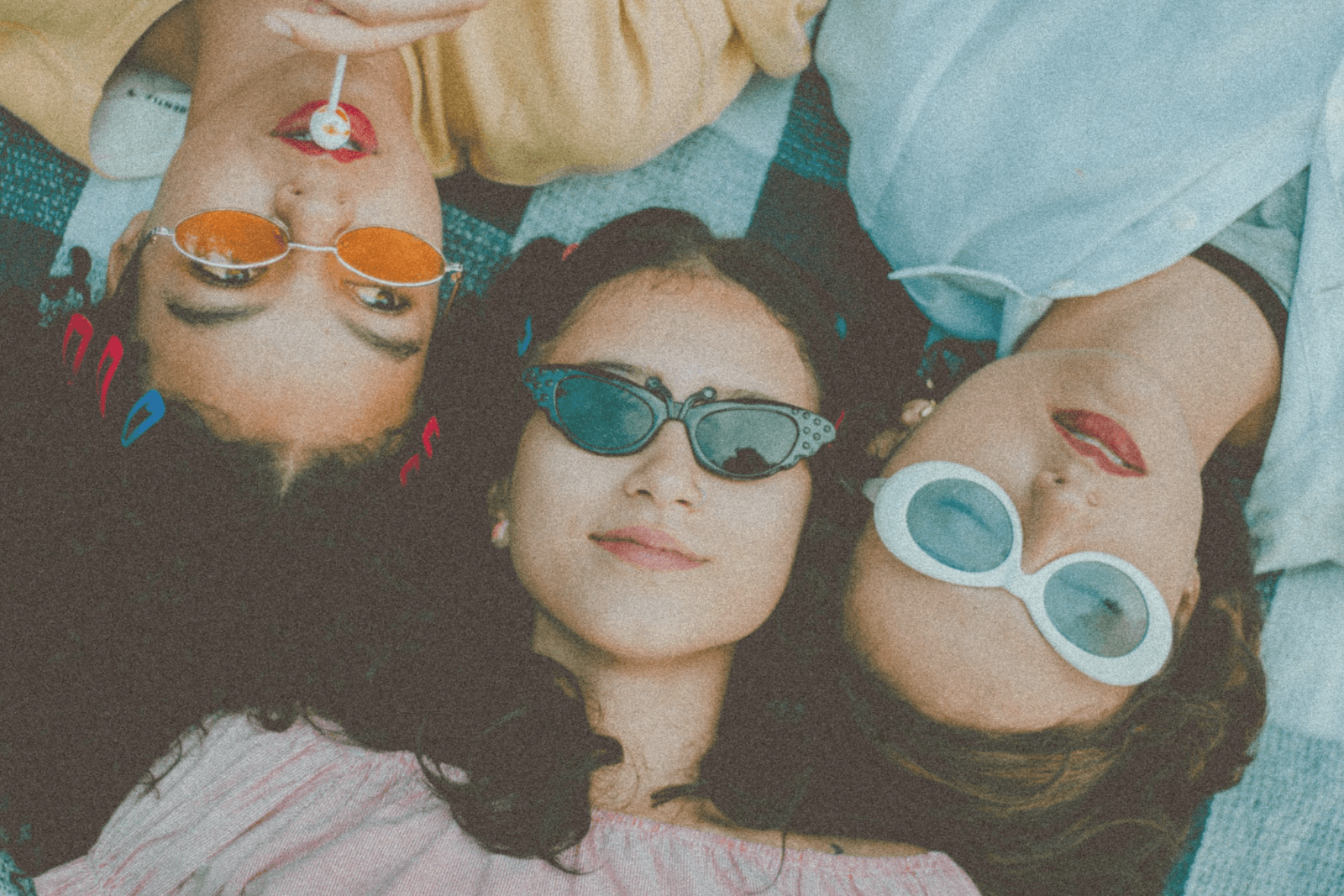 3 girls with sunglasses