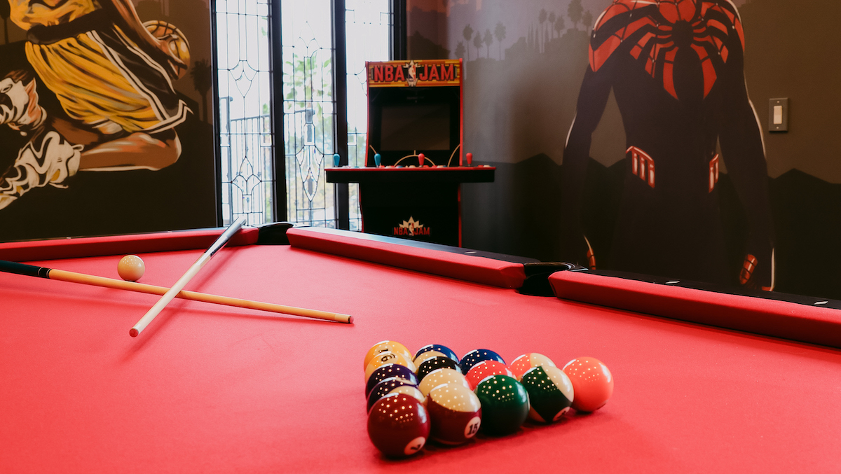 pool table in the game room at hollywood hills recovery