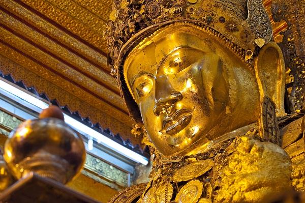 Mahamuni Pagoda Buddha