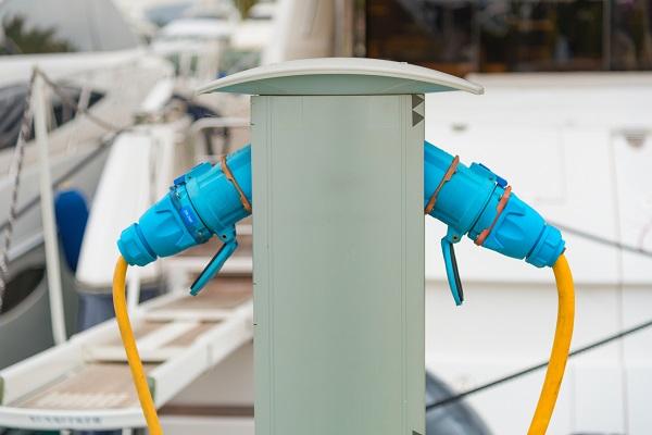 Electric ship socket