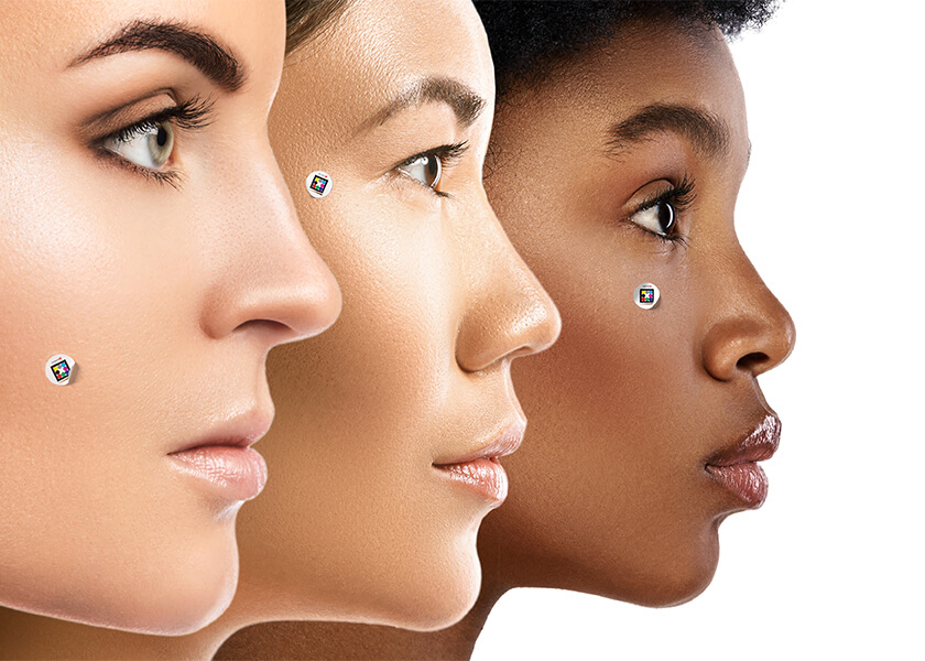 Woman of different skin color with Scarletred Skinpatch