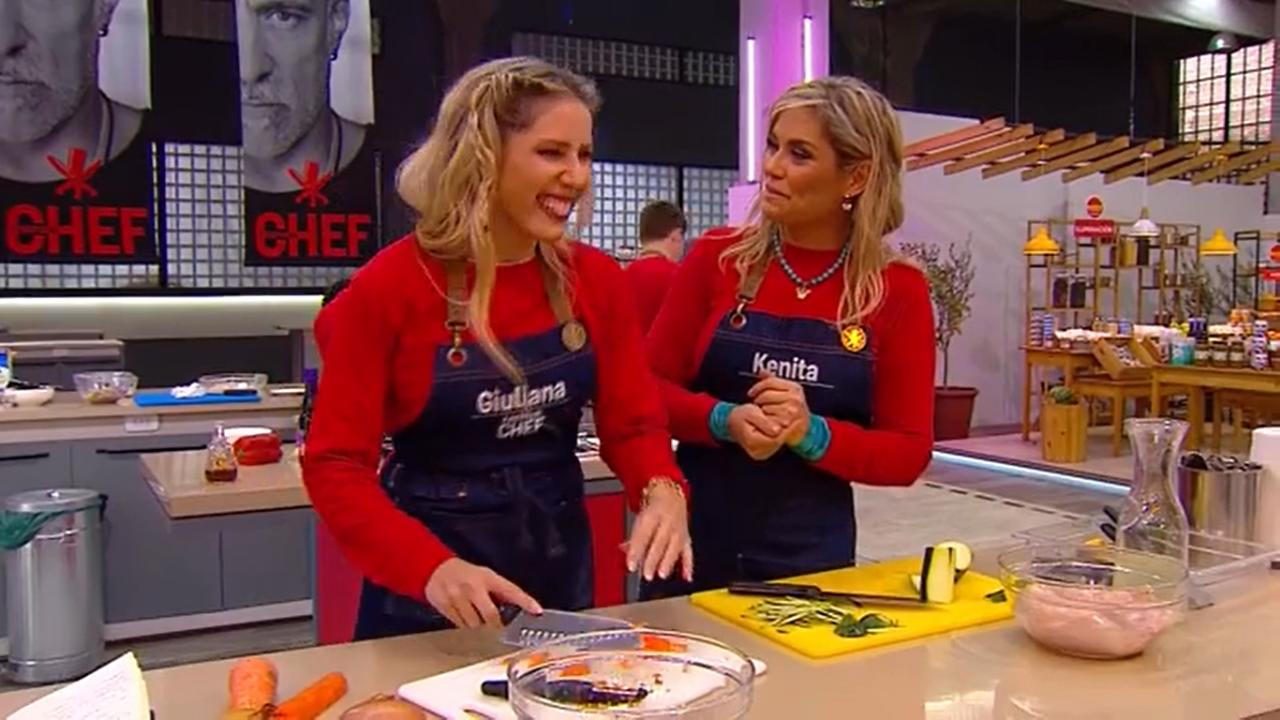 """Esto está que arde�: Giuliana Sotela y Kenita Larraín sacaron los pasos  prohibidos en las grabaciones de """"El Discípulo del Chef�   En Cancha"""