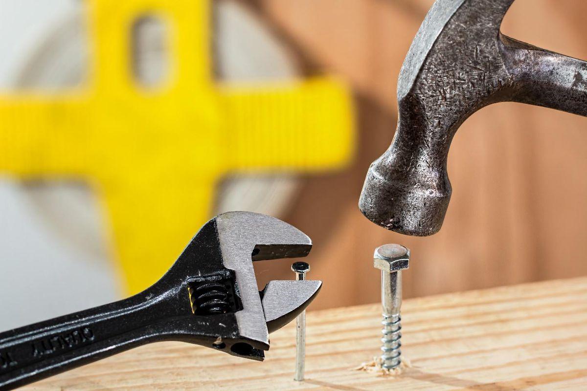 roofing nail guns hammer screwdriver nails