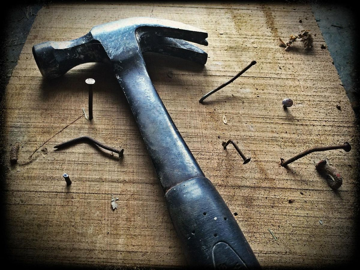 toofing supply hammer with nails