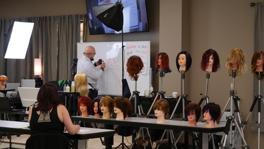 Franco Marino teaching a salon course