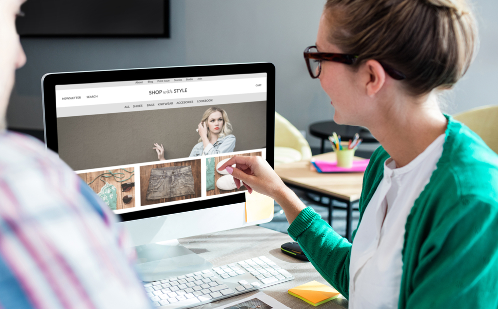 small business owner discussing ecommerce marketing strategy||||||email-marketing-report||||||||product-photography-fiverr-gig