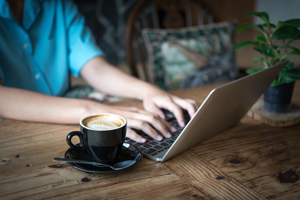 freelance writing job||Jon Youshaei, course instructor on Fiverr||bill shander, course instructor on fiverr4