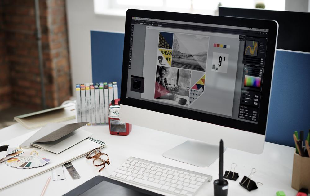 logo designer computer screen||retro logo design gig fiverr||smork logo designer freelancer on fiverr||retro vintage logo design gig fiverr||freelance logo designer on fiverr||Tom M logo designer on fiverr