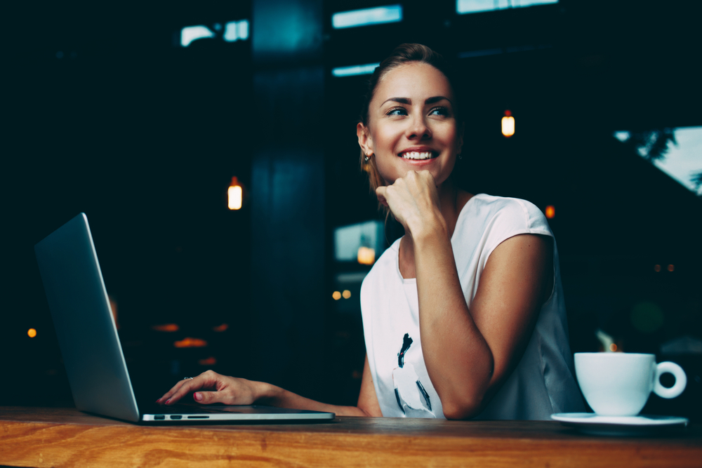 woman writing a blog post||Quora||content strategy fiverr gig||content strategy gig||fiverr content strategy gig||fiverr target audience gig||target audience fiverr gig||
