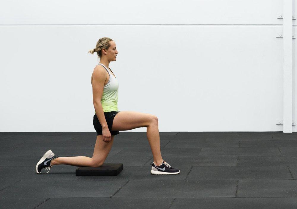 Kneeing hip flexor.jpg