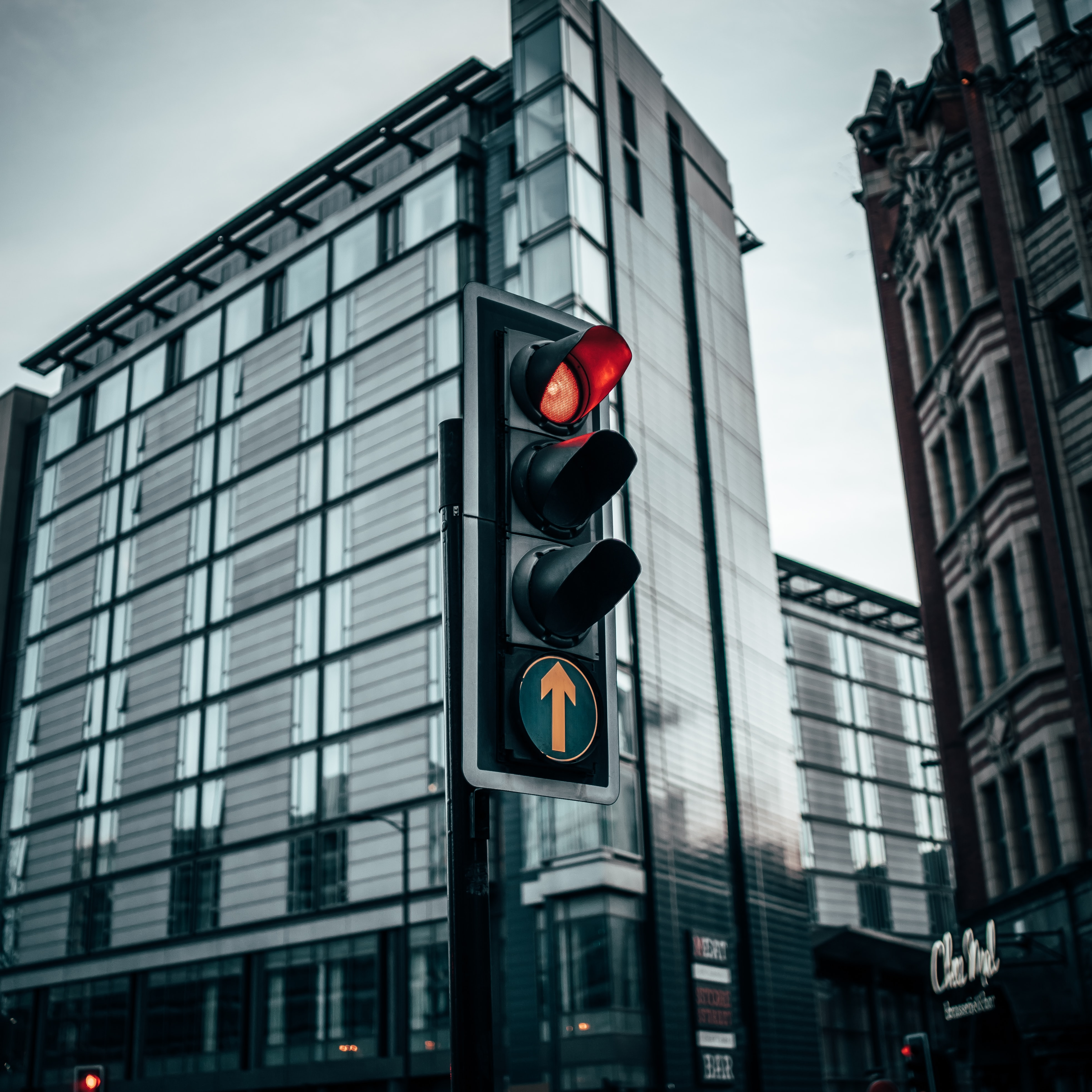 Read all about the UK's traffic light system for travelling this year. Our article will help you understand the restrictions based on whether you are travelling between the UK and a country on red, amber or green list.