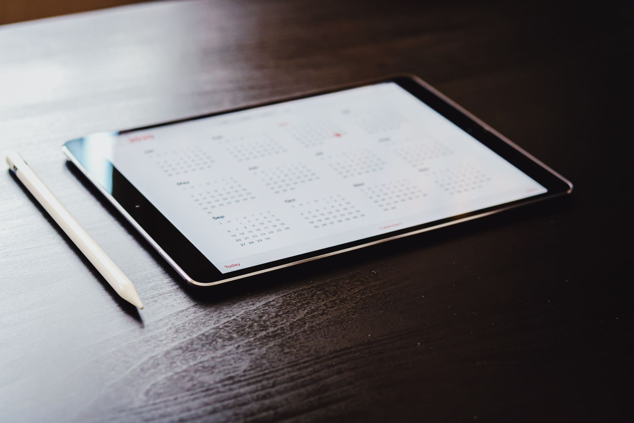 An online calendar on an iPad