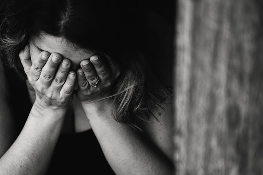 We all struggle sometimes but we can turn to our Creator. In this article, we share five prayers for anxiety.