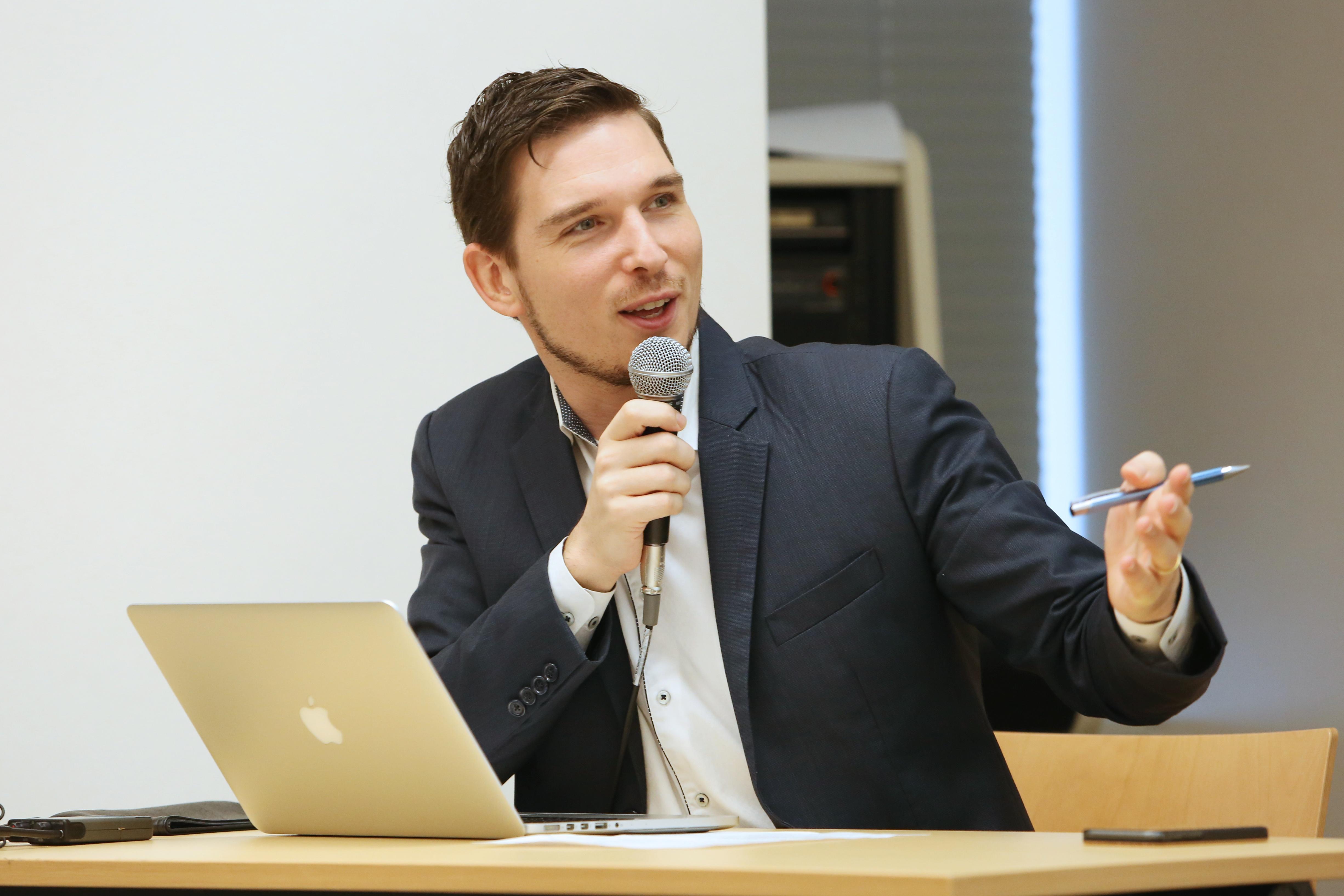 Moneytree-LINK-LINK-Blog-finsum-2018-event-mark-makdad-CPO-of-Moneytree-2018
