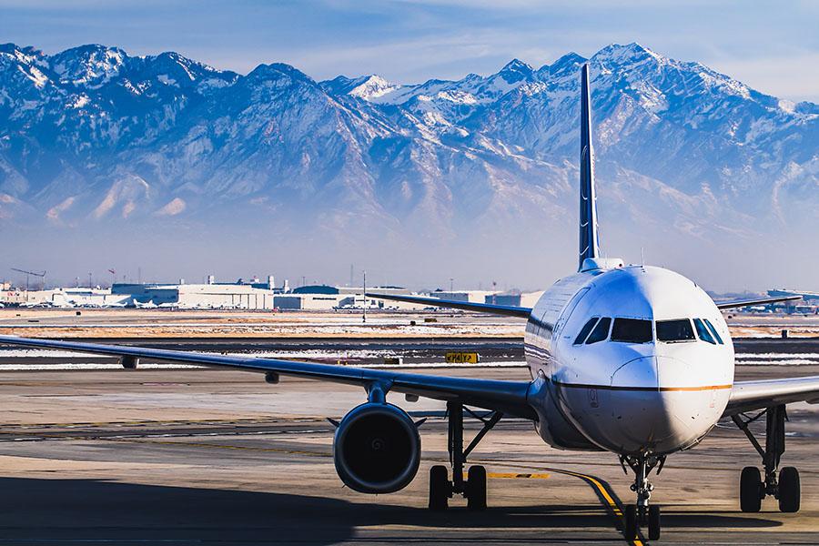 plane landing at salt lake city international airport