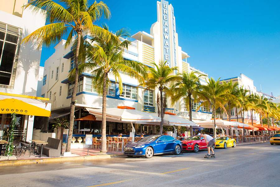 outdoor dining at south beach Miami