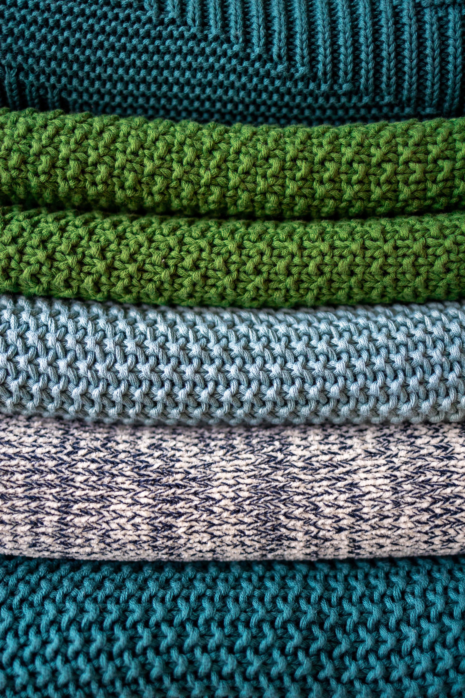 Knitted vs. woven fabrics