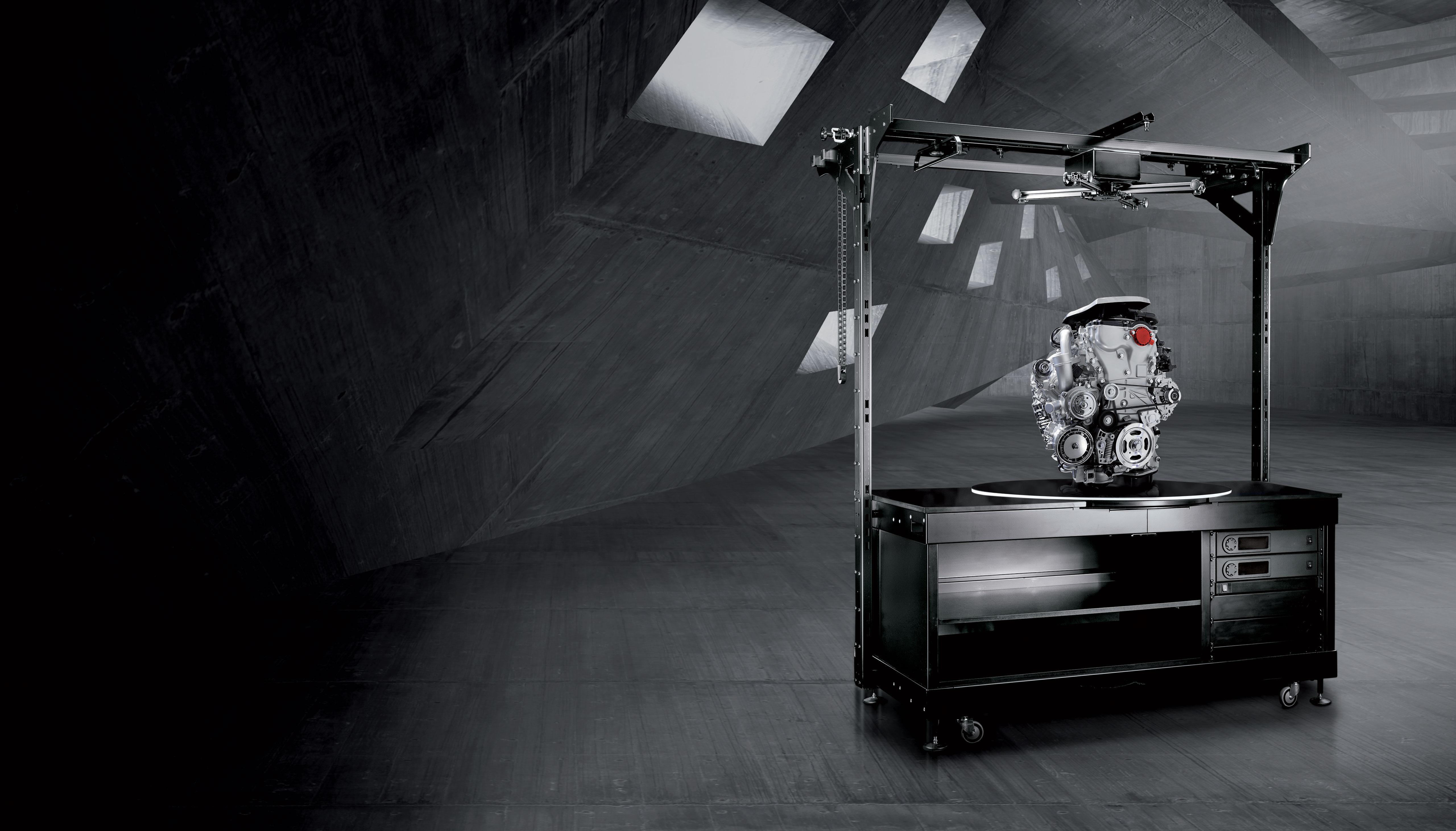 PhotoRobot heavy duty robotic turntable while shooting heavy engine