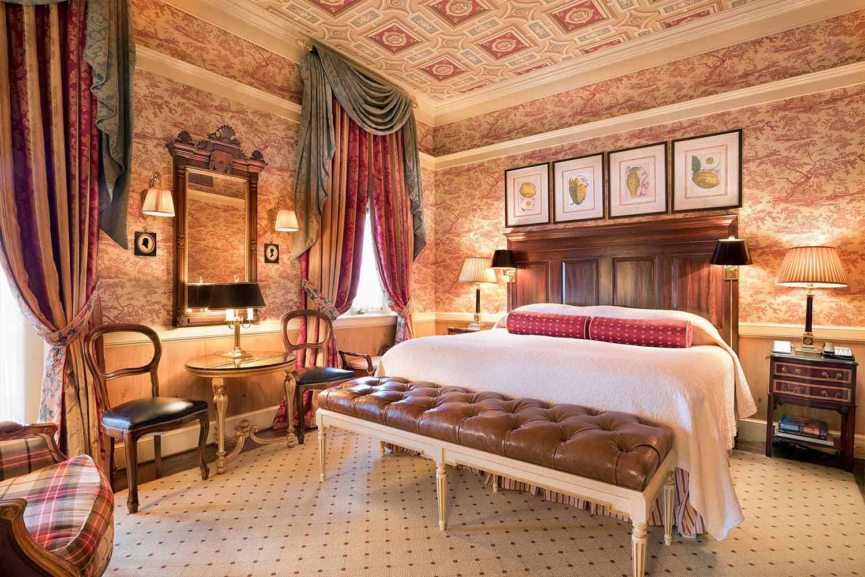 Room 5 bedroom.