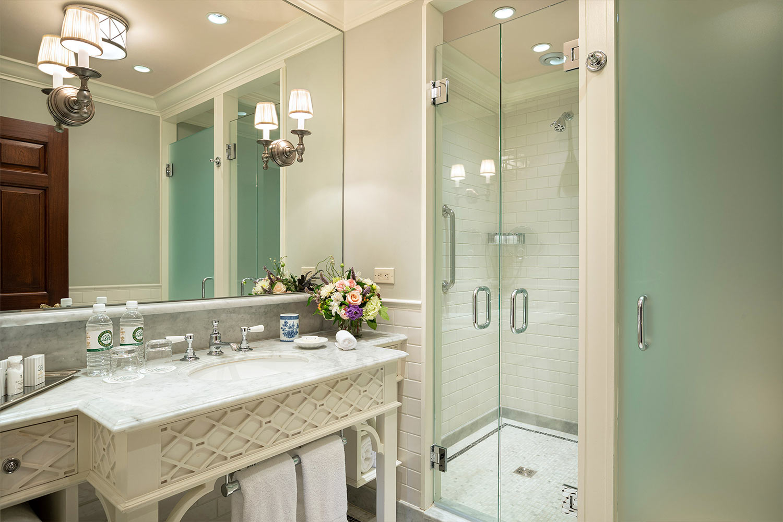 Room 19 Bathroom