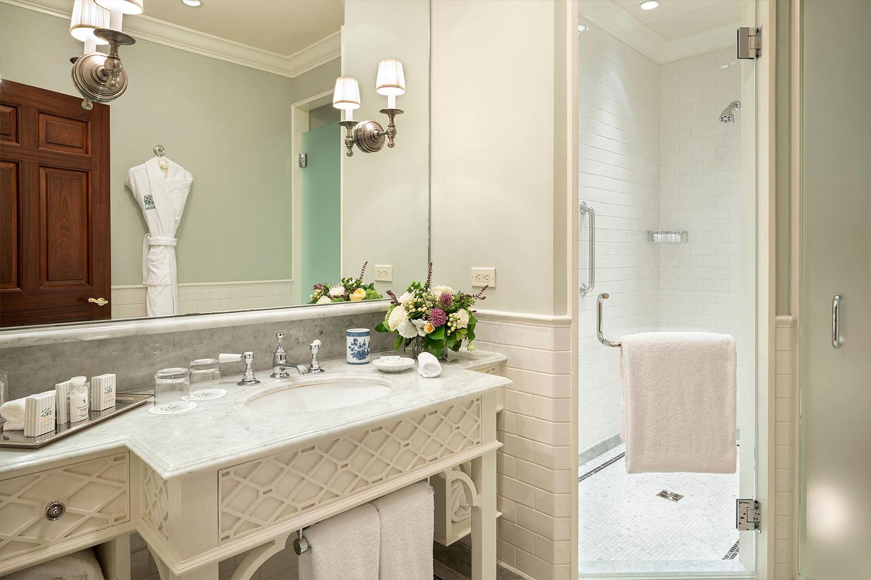Room 21 bathroom.
