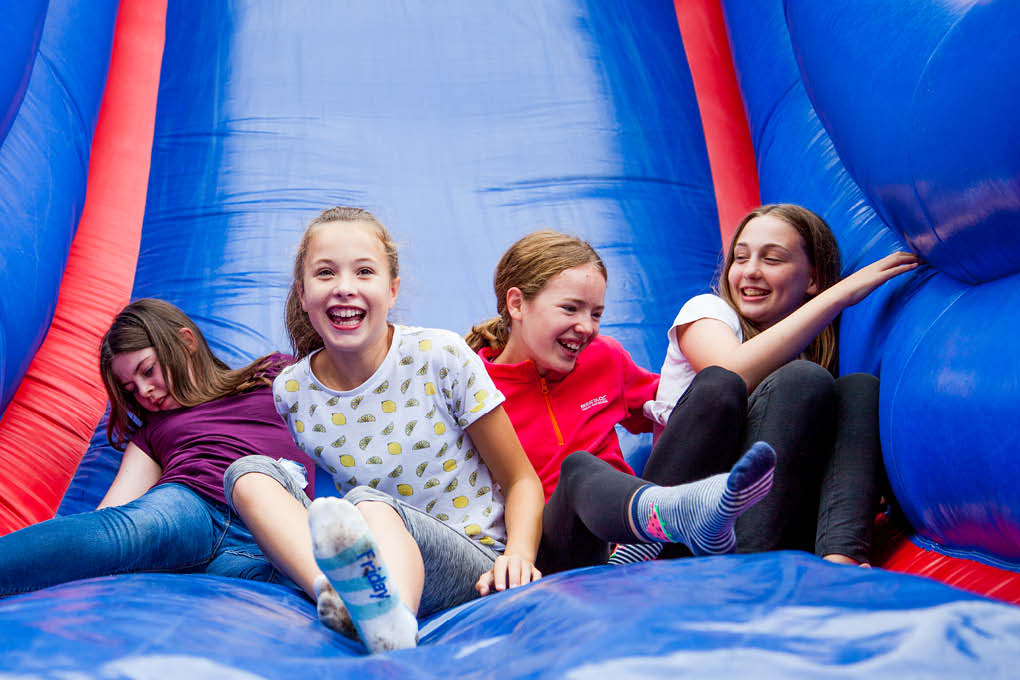 4 girls children inflatables