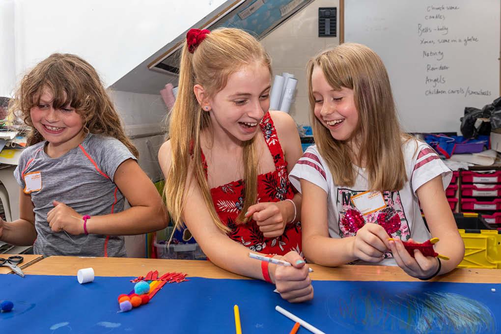 3 girls children craft