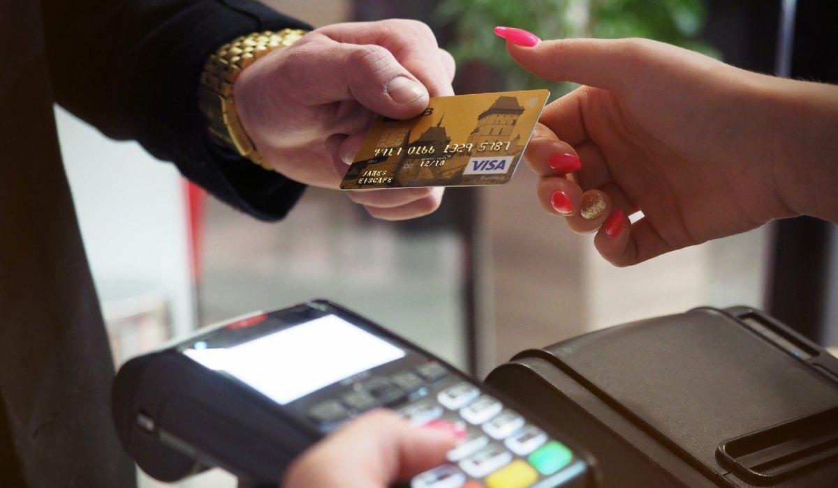 como fazer um cliente pagar a dívida?