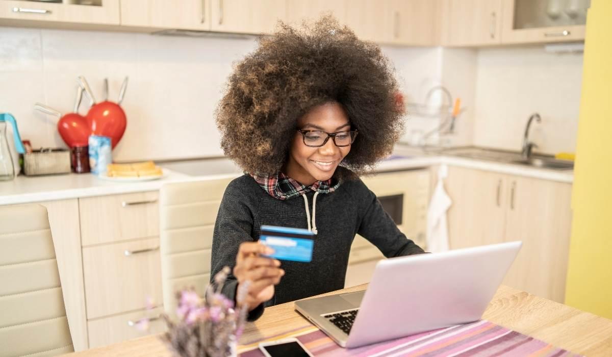 Como vender pela internet de graça? Passo a passo completo com dicas práticas