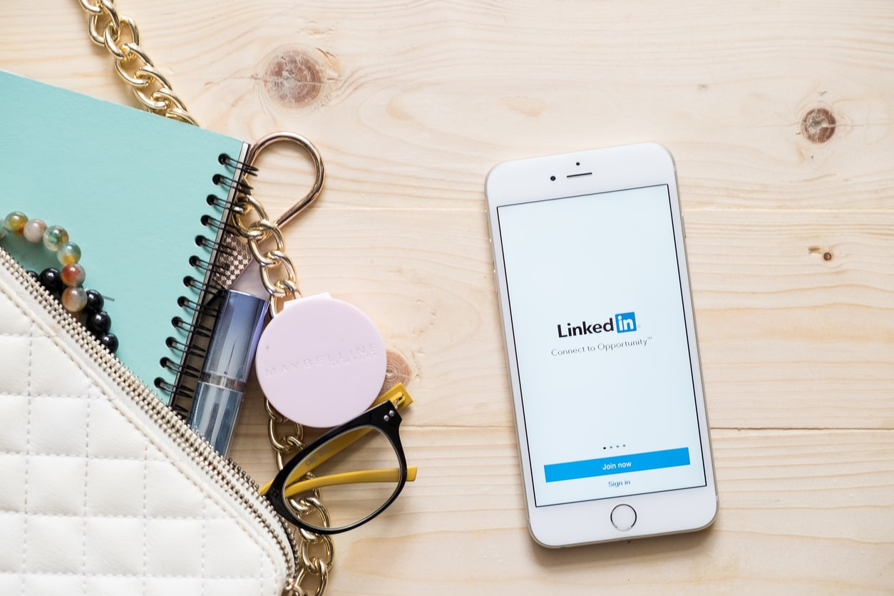 Best Linkedin profile tips for freelancers, contractors and small businesses - Crunch