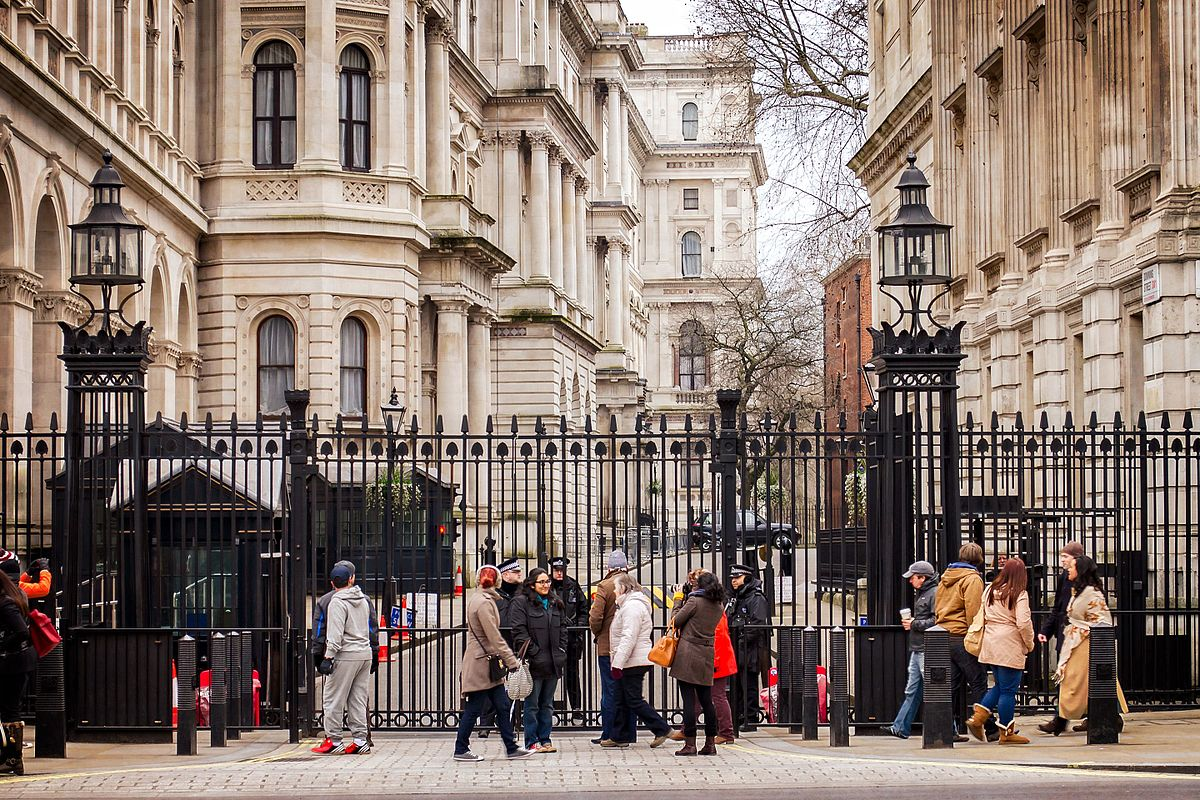 Crunch's open letter to the Chancellor asking for more support for limited company directors and the self-employed - image of the entrance to Downing street | Crunch
