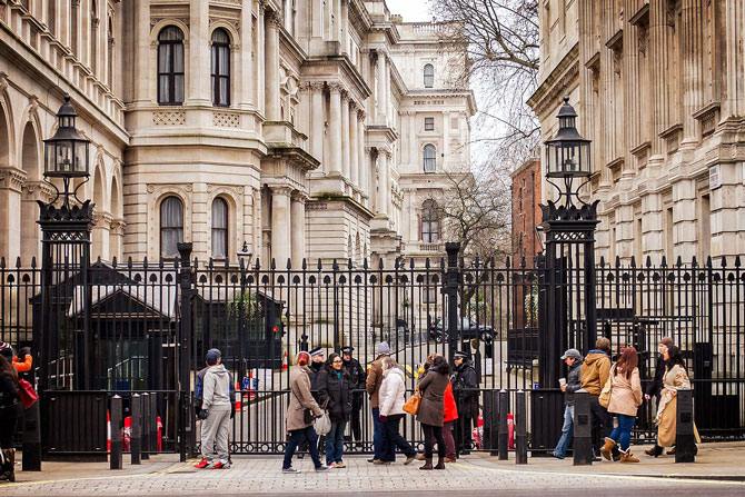 Crunch's open letter to the Chancellor asking for more support for limited company directors and the self-employed - image of the entrance to Downing street   Crunch