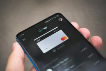 Google Pay and Apple Pay payment photo