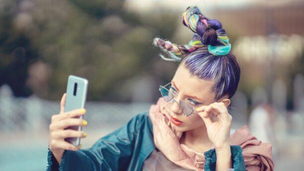 Köpa ny telefon?   Låna 2000 - 15000 kr lätt och enkelt