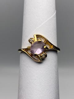 Gold Ring w/Purple stone