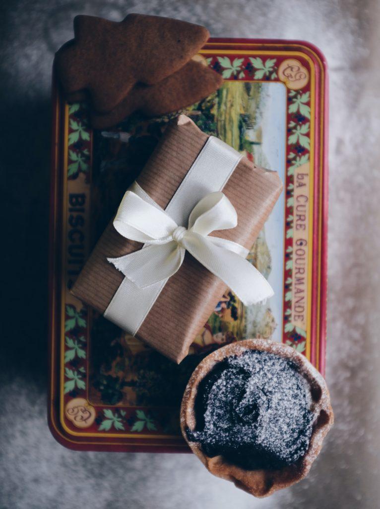Reusable gift packaging - Nonki Azariah