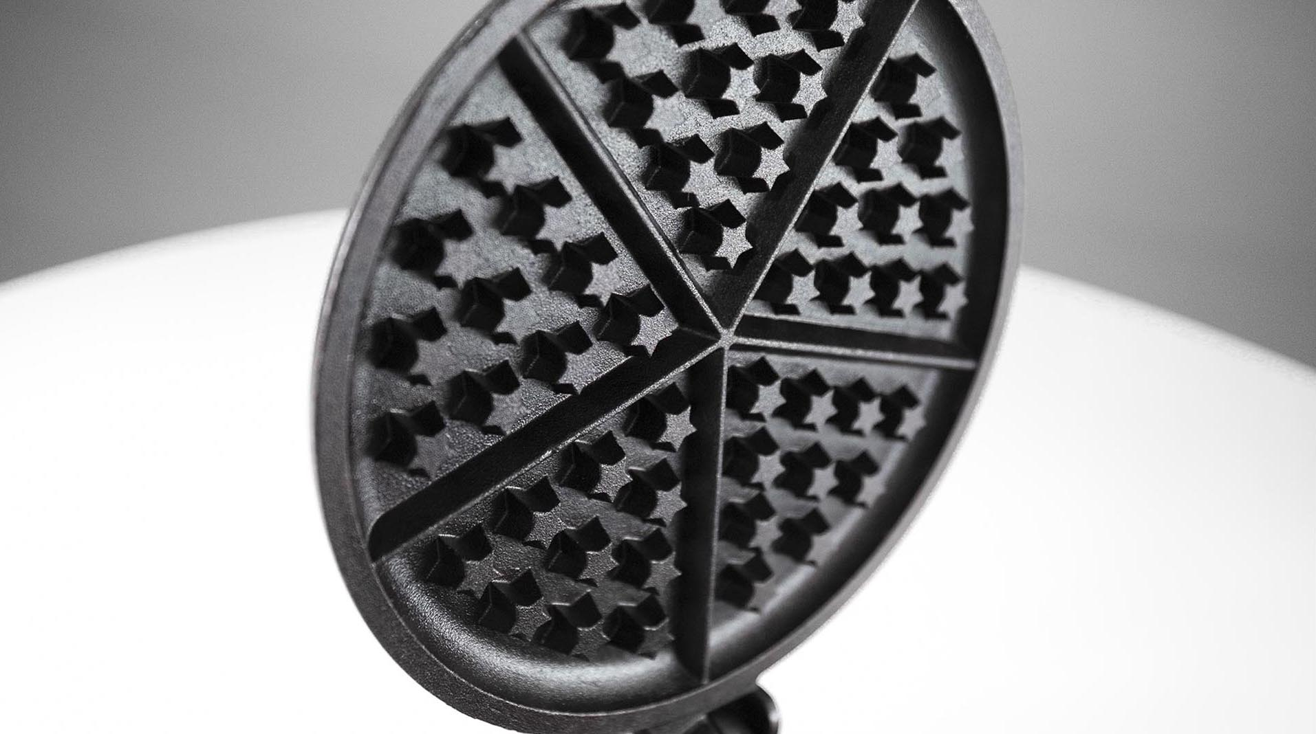 Great American Waffle Iron star detail 2
