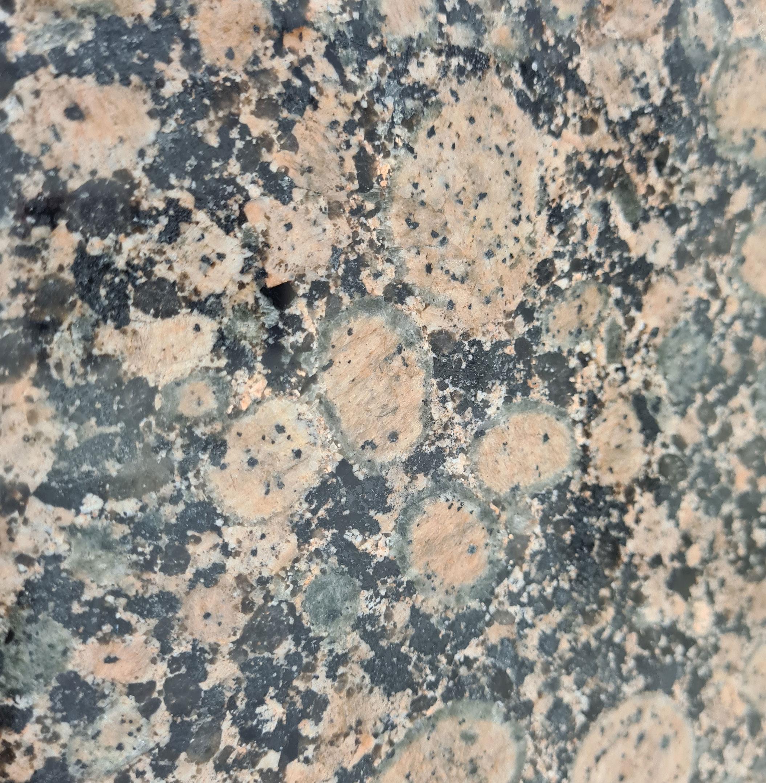 Granite & Quartz Installations UK's leading granite and quartz worktop company. We supply and install quality granite and quartz kitchen & bathroom worktops.