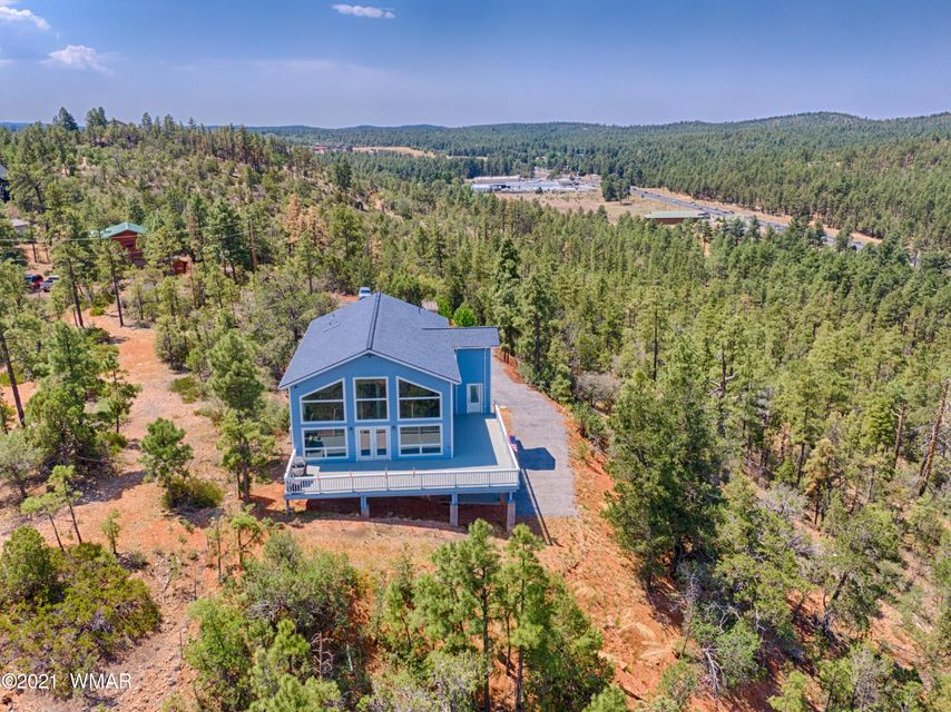 Gorgeous and unique home on top of the hill - 236022