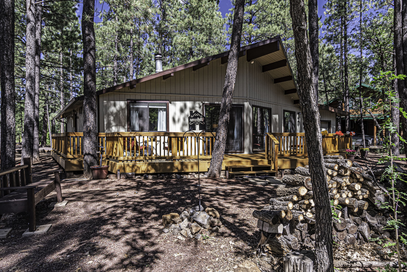 Fully furnished, move-in ready 3/2 cabin -237954