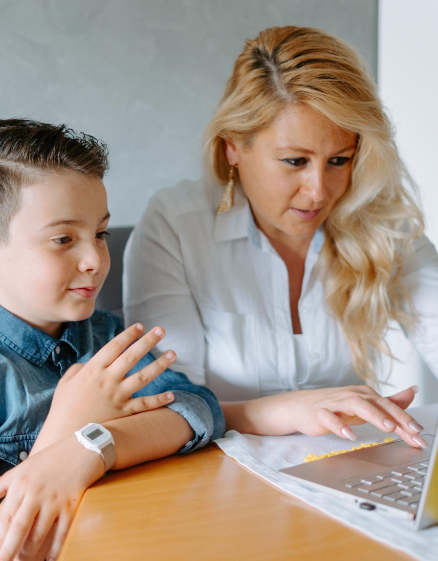 Parent helping Child Online