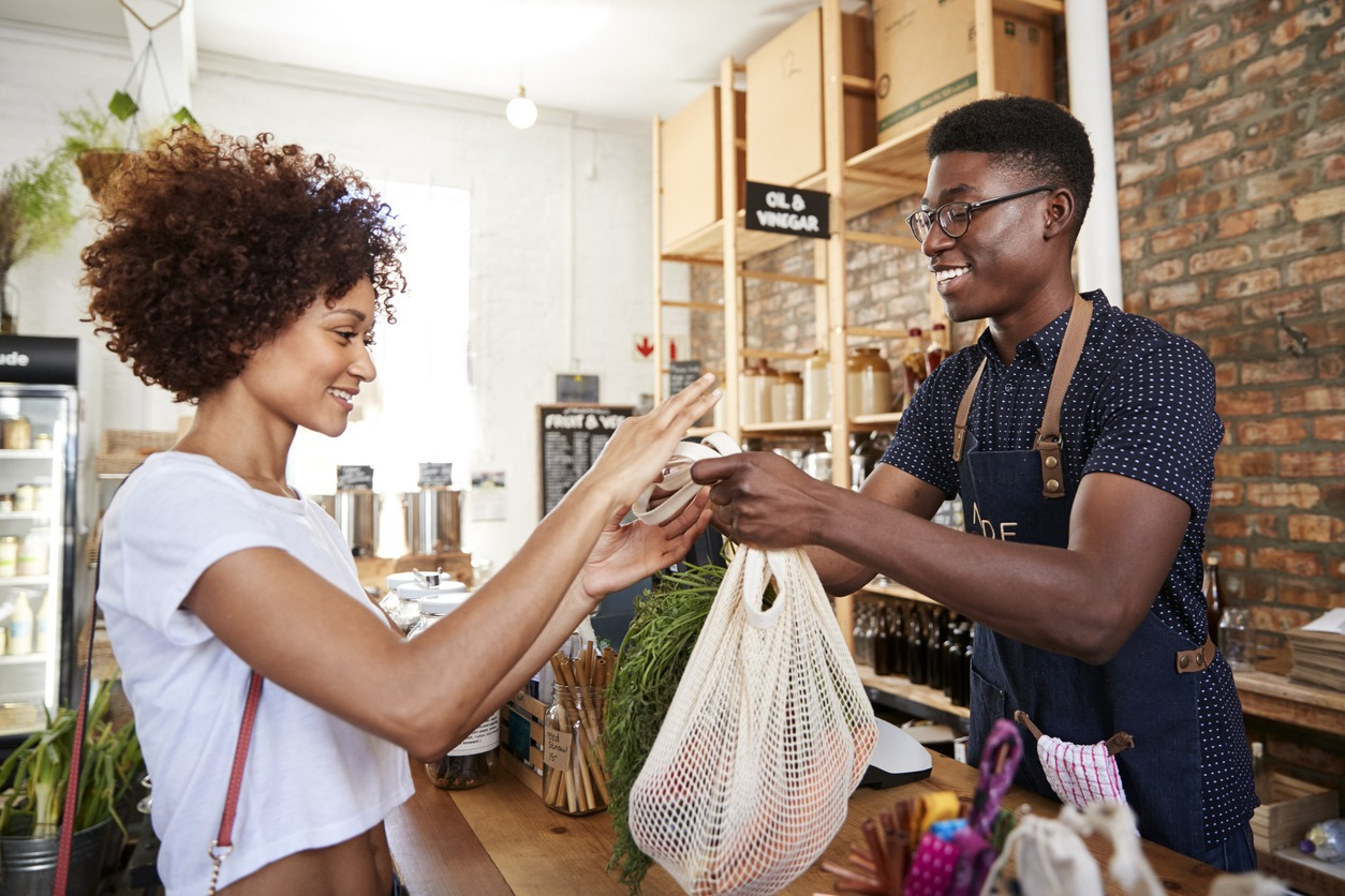 HOW TO MANAGE YOUR CUSTOMER RELATIONSHIPS LIKE A PRO: 7 TIPS FROM OUR HEAD OF CUSTOMER SUCCESS