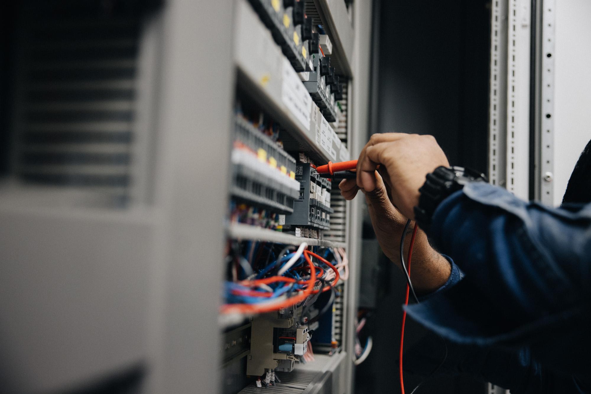 Service and Maintenance - Mainfeeds