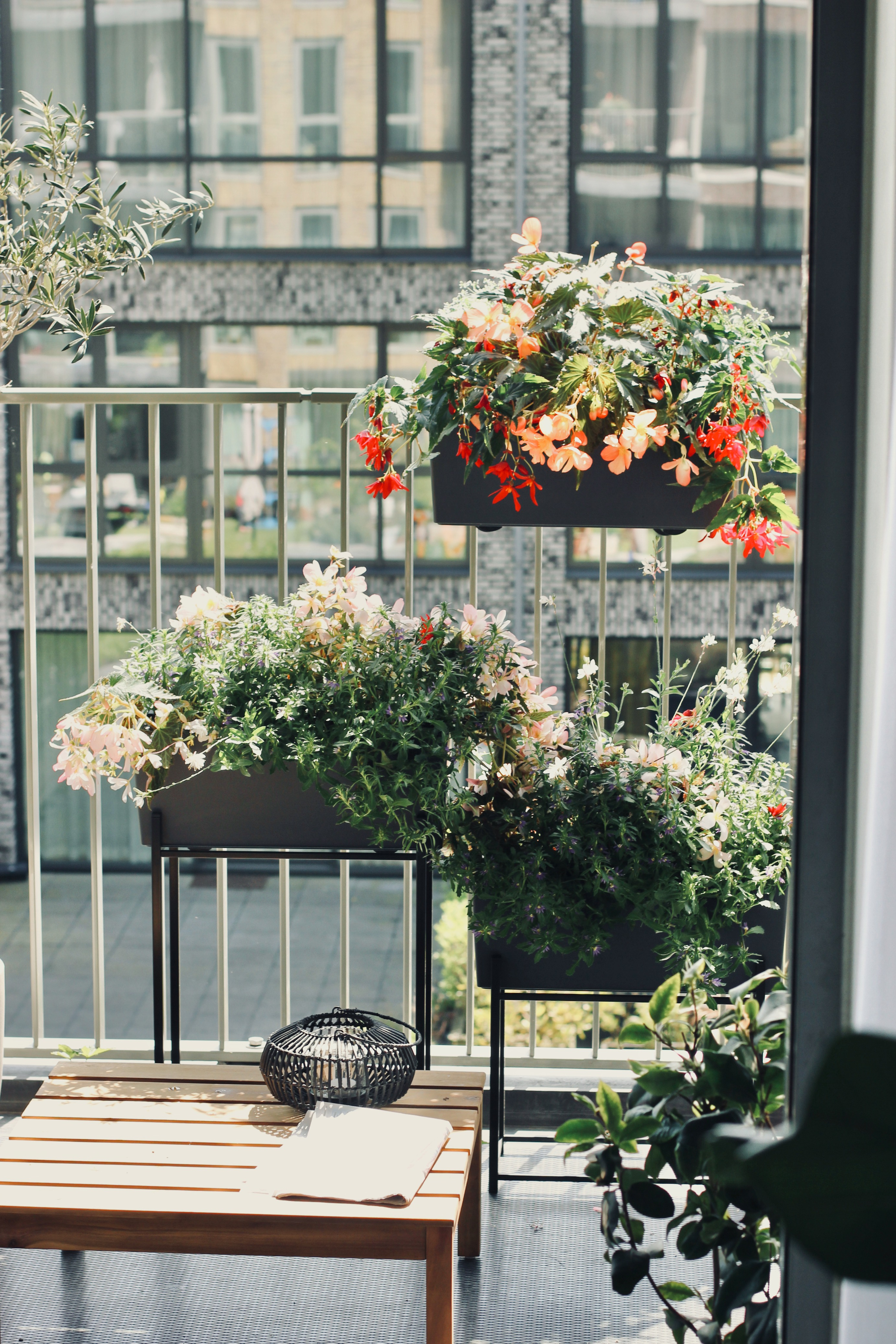 Green balcony with Upperbloom